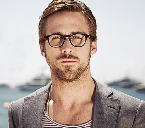 ryan gosling porte des lunettes !