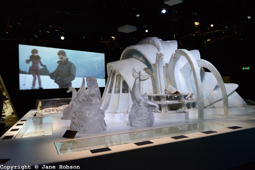 Designing 007 exposition