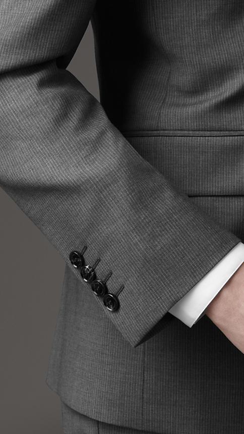 Burberry London un costume élégant détail