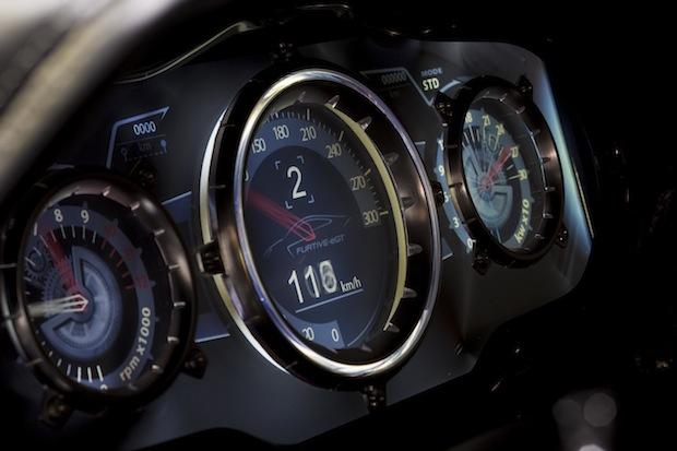 Automobile de luxe electrique à la française Exagon compteur