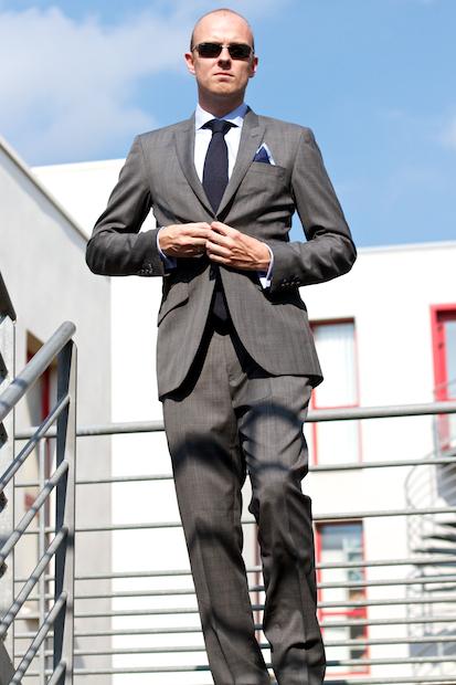 suits 15