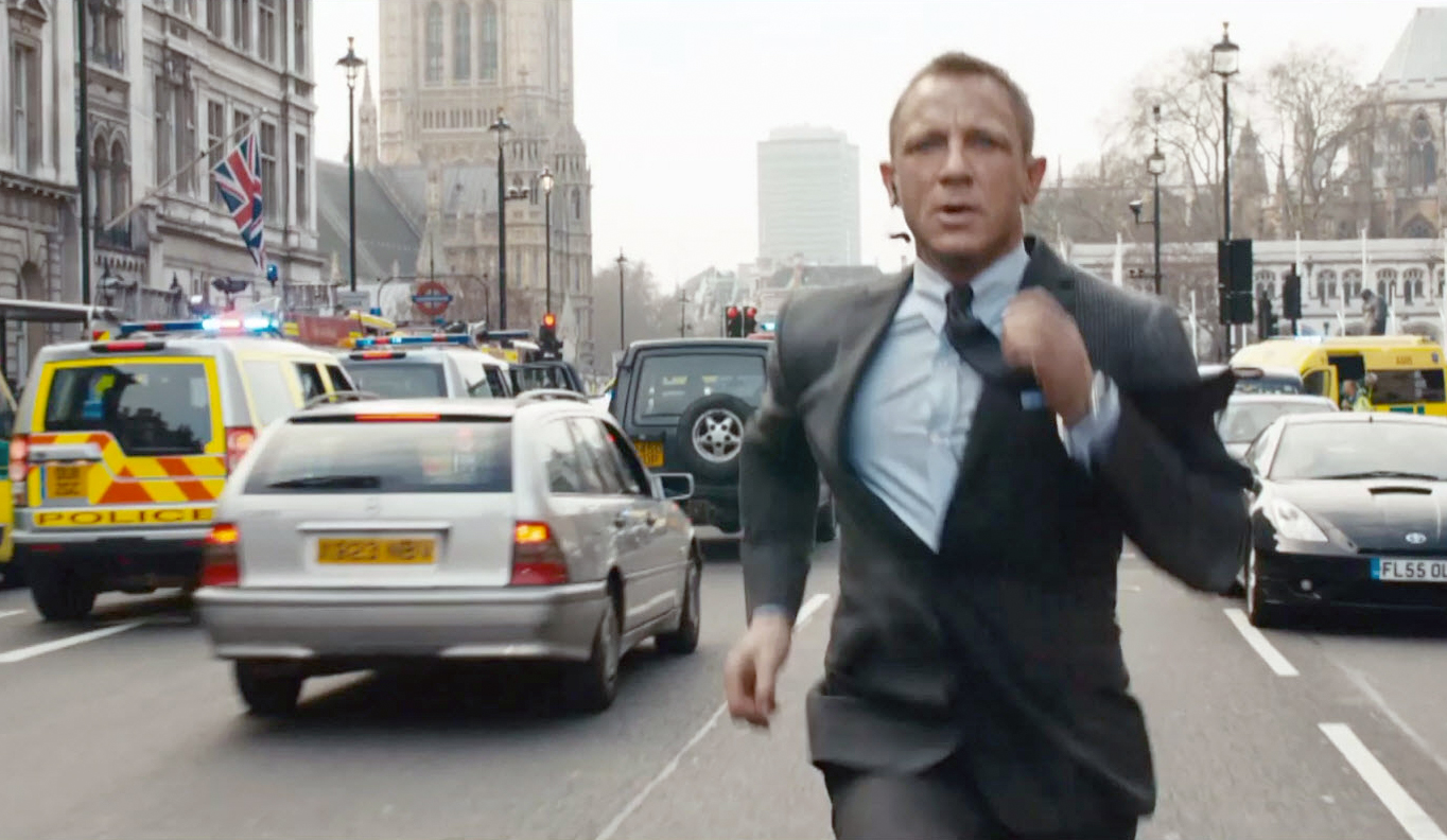 james-bond-running-skyfall