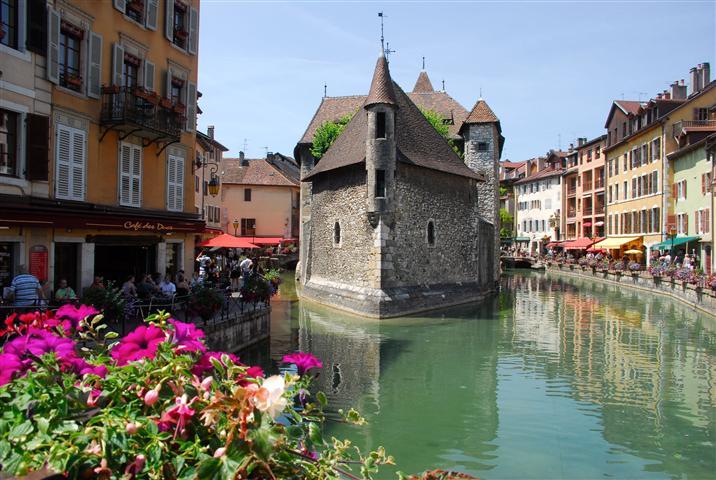 Annecy-La-vieille-ville-et-le-Thiou (Small)