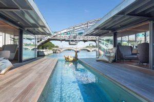 2009135_paris-inaugure-son-premier-hotel-flottant-web-0211058011107