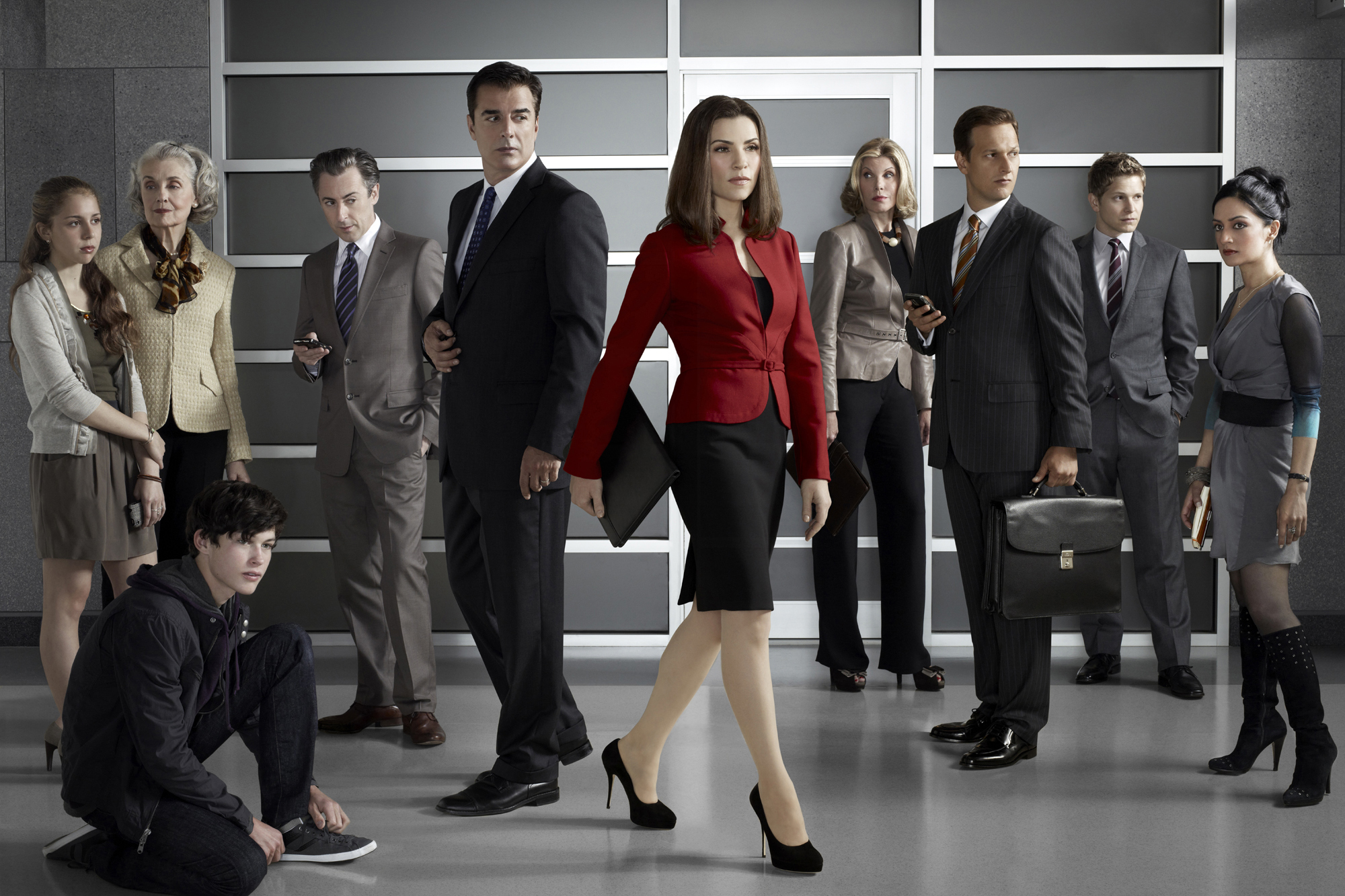 FOR TV WEEK - DO NOT PURGE! -- The cast of THE GOOD WIFE: from left to right: Makenzie Vega as Grace Florick, Mary Beth Peil as Jackie Florick, Graham Phillips as Zach Florick, Alan Cumming as Eli Gold, Chris Noth as Peter Florick, Julianna Margulies as Alicia Florick, Christine Baranski Diane Lockhart, Josh Charles as Will Gardner, Matt Czuchry as Cary Agos, and Archie Panjabi Kalinda Sharma Photo: Justin Stephens/CBS ©2010 CBS Broadcasting Inc, All Rights Reserved. *********** IMAGE EMBARGO. THIS PHOTO MUST NOT BE USED UNTIL AFTER 9/12/2010 Tv Week Fall Preview *************