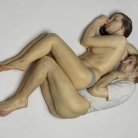 ron mueck spooning couple
